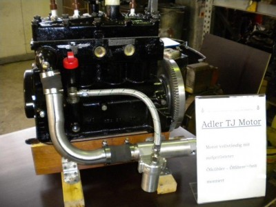 Motor vollständig mit Ölkühler, Ölfilter montiert