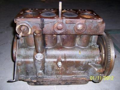 ausgebauter Oldtimer-Motor